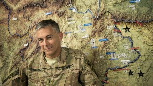Top US commander warns Russia, Syria